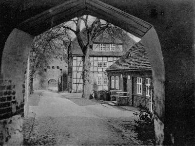 Blick durch das obere Tor um 1930